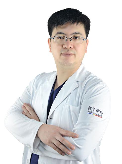 上海首尔丽格胸整形修复专家范荣杰